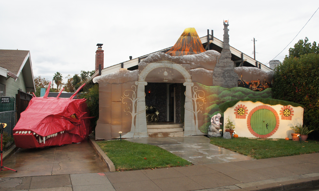 2014 Albertson Halloween House - Lord of the Rings